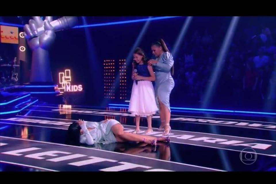 Video Simaria Desmaia Em Momento Emocionante No The Voice Kids