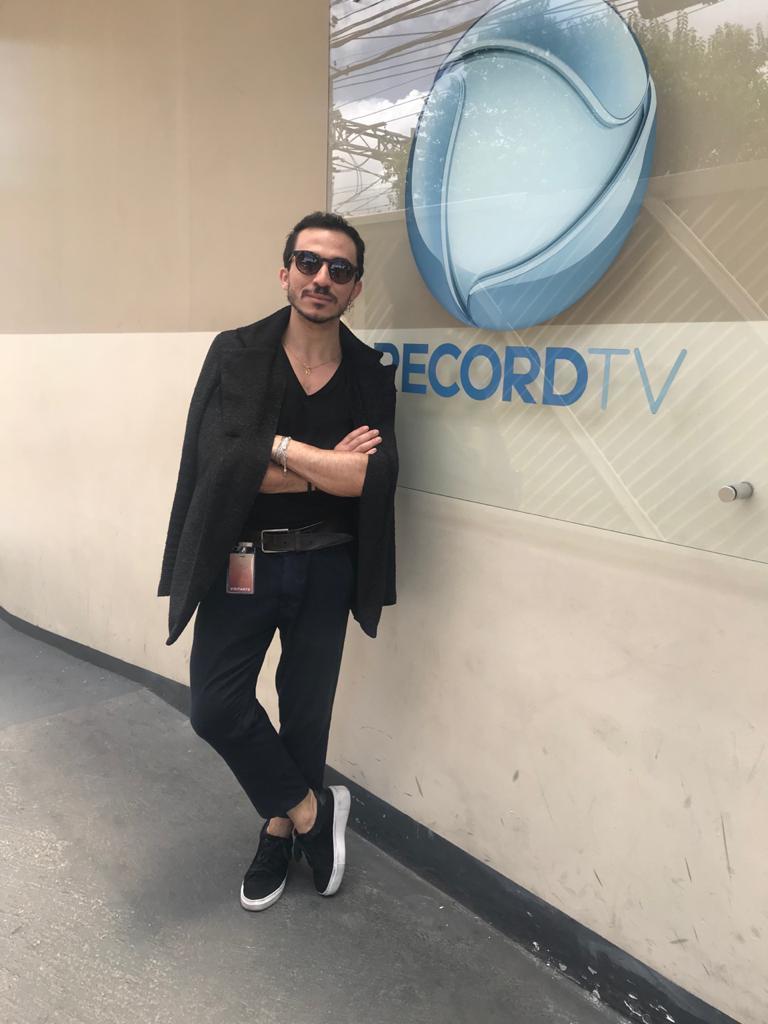 Cabeleireiro e maquiador oeirense participa de reality show no 'Hoje em Dia' da Record TV 2