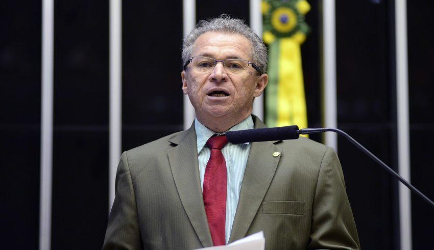 Assis Carvalho sofre infarto e é internado às pressas em hospital ...