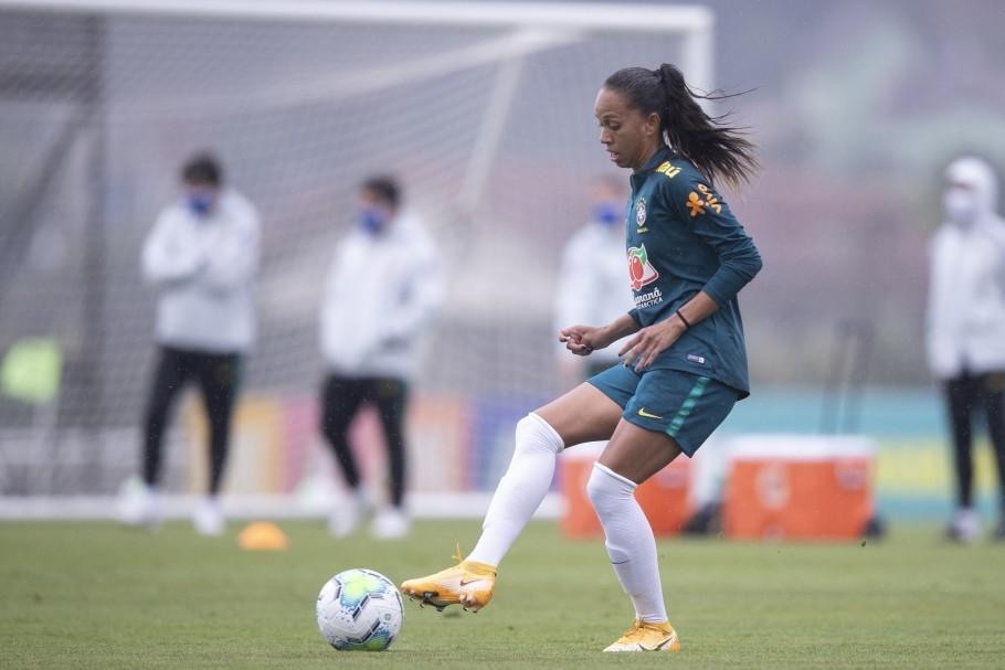 Piauiense Adriana celebra recomeço na seleção após lesão que a tirou da Copa 2