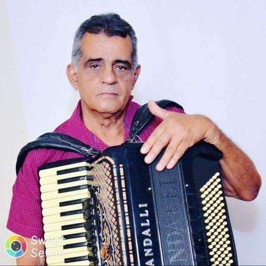 Sanfoneiro Raimundo Tangé