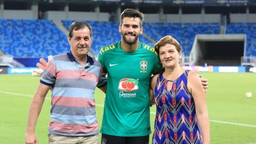 José Becker, pai do goleiro Alisson, assistiu treinamento da seleção brasileira na Arena das Dunas em 2016