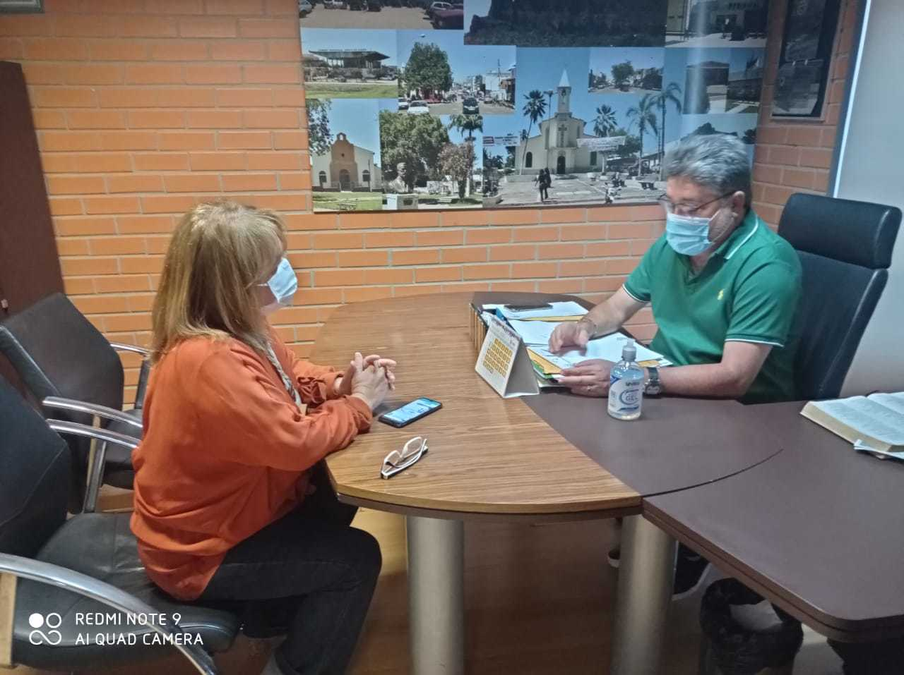 Coordenadora Socorro Barreto reunida com o dep. João Madison, presidente da Escola do Legislativo