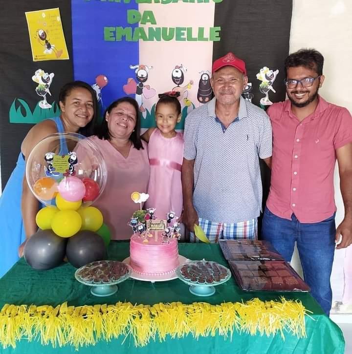 Aniversário de sua neta Emanuelle