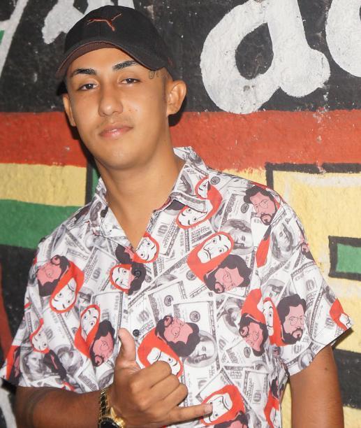 Jovem de 26 anos é morto a tiros ao sair de clube de festa