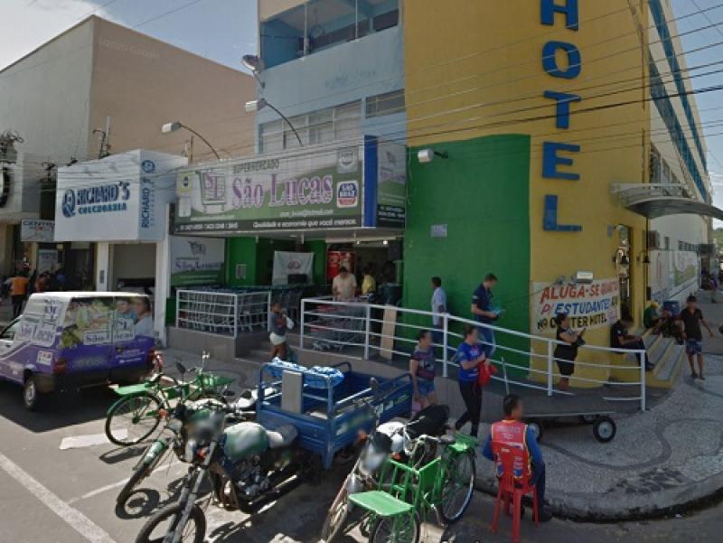O alvo do acusado foi o Supermercado São Lucas, que fica localizado na Coronel Francisco Santos