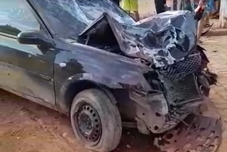 Carro envolvido em acidente