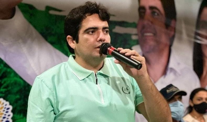 Felipe Ribeiro, prefeito de Cajueiro da Praia