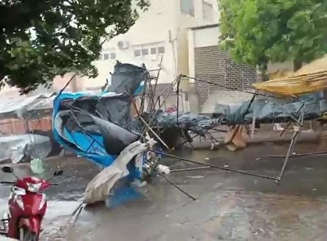 Barracas da feira de Picos voaram durante temporal