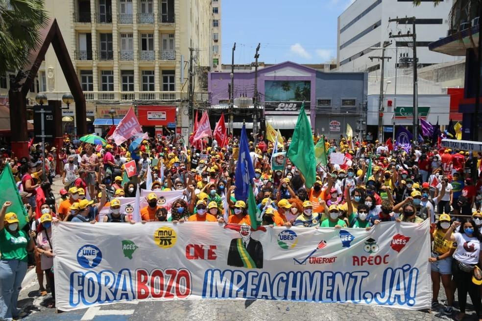 Manifestação contra Bolsonaro no Centro de Fortaleza neste sábado (02/10)