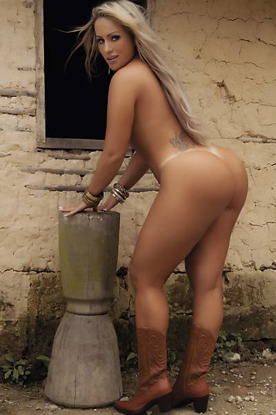 Gomes  nackt Isis Beautiful Girls