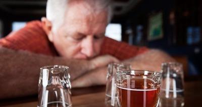 Thumb alcoolismo idosos