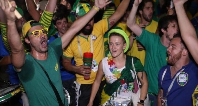 20f14fb37f Seleção Brasileira chega a Moscou com novo show do torcedor brasileiro