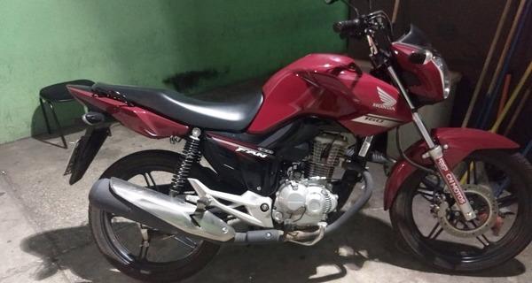 Medium moto usada por suspeitos