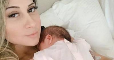 Thumb mayra cardi com a filha