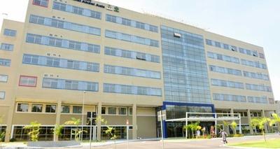 Thumb show hospital
