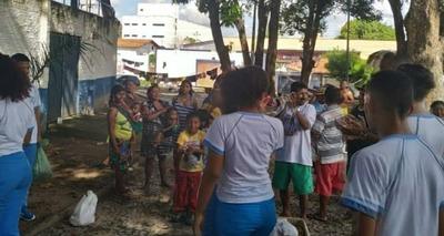 Thumb alunos e venezuelanosthe