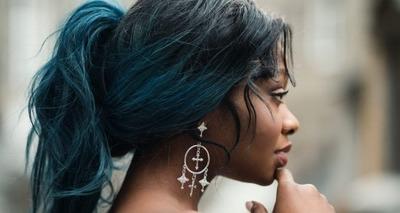 Thumb mulher negra cabelo brinco 768x512