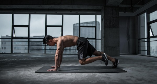 Medium exercicio fitness homem