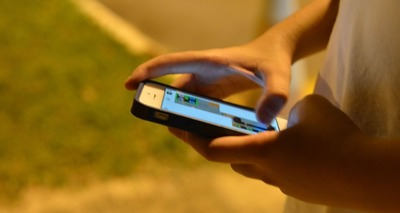 Thumb 180515   jovem celular 0826