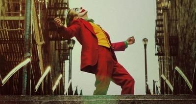 Thumb wallpapersden.com joker movie 8k banner 2880x1800 750x380