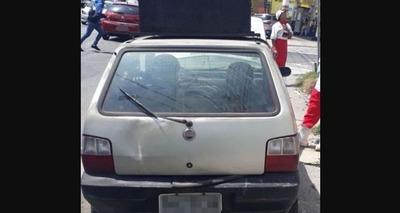 Thumb carro com multas