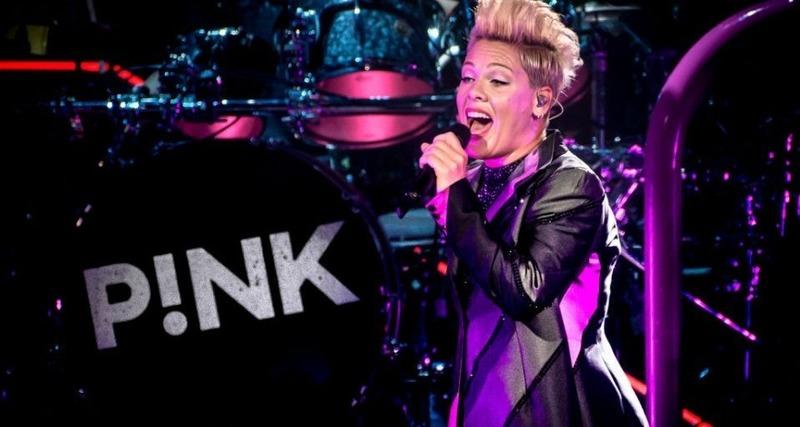 Cantora Pink revela que testou positivo para novo coronavírus