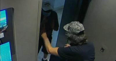 Thumb screenshot 2020 07 03 temendo a covid 19 idoso agride outro idoso em elevador e preso 3