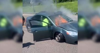 Thumb carro em chamas