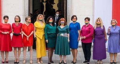 Thumb protesto de vestidos arco  ris 600x400
