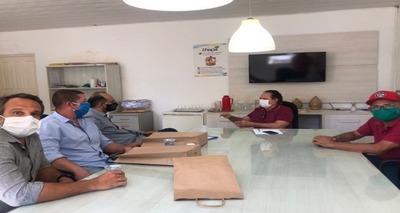 Thumb c 700 350 q 90 prefeito de urucui recebe representantes do grupo empresarial renove pneus c2f01130 68e1 4791 9e2c e2efedece3e1