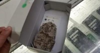 Thumb celular pedra