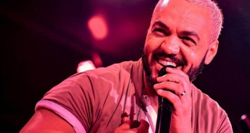 Belo faz primeiro show para 1,5 mil pessoas após prisão com ingressos de quase R$ 2 mil