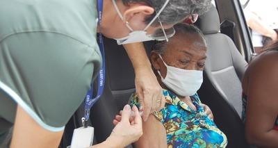 Thumb vacina idosos