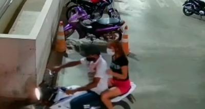 Thumb furto moto supermercado