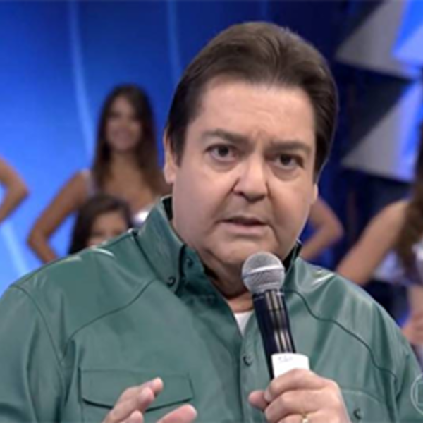 Faustão compara uniforme da Globo na Olimpíada à roupa de carteiro 409795a7f508b