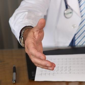 Thumb doctor 1228629 640