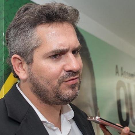 _Deputado estadual Pablo Santos, mandatário da FEPISERH. Pregão ocorreu em sua gestão (Foto: Divulgação)