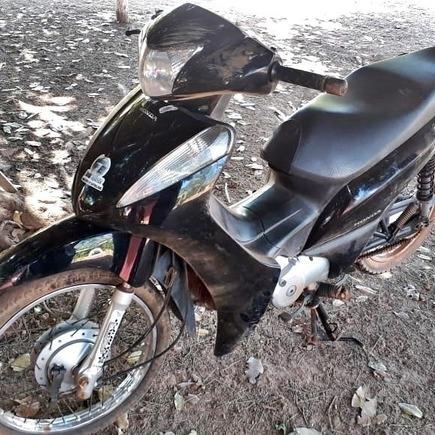 Medium mulhe cai de moto
