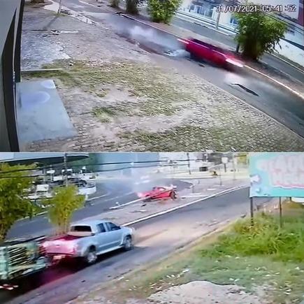 Medium acidente jovem carro